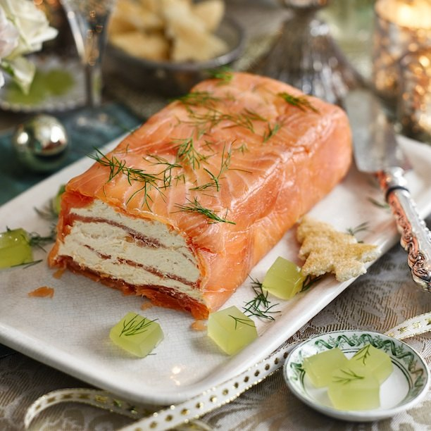 Праздничная закуска с красной рыбой — великолепный террин!