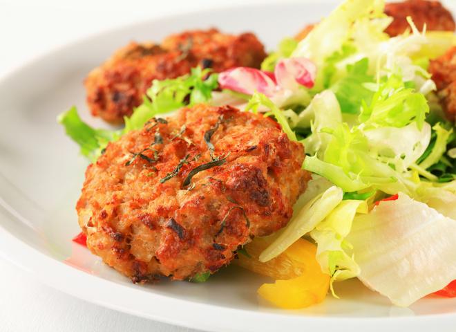 Картофельные котлеты: рецепт с грибами и луком