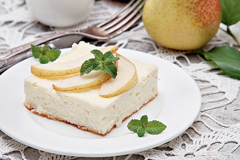 Творожный десерт с яблоком