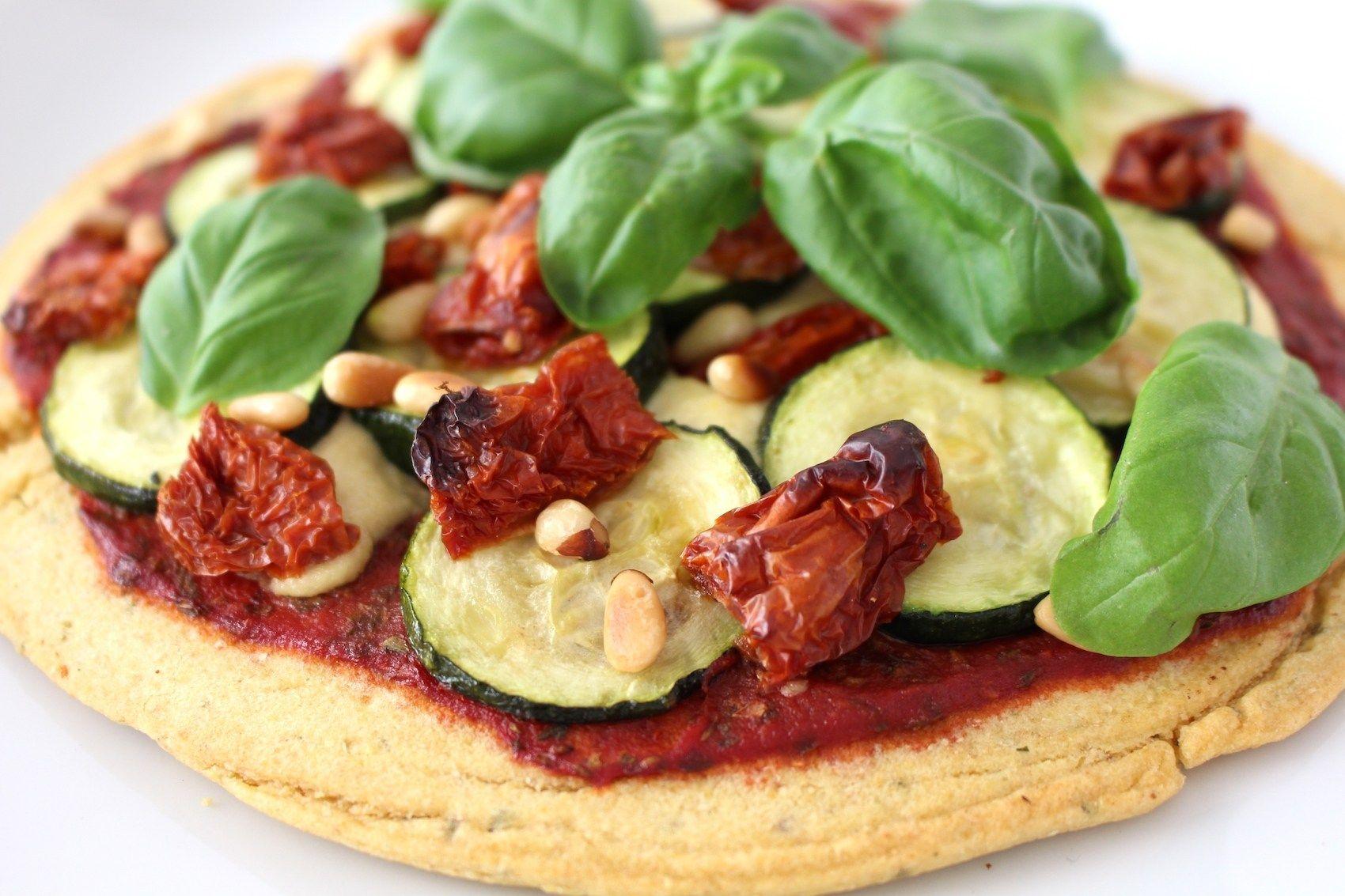 Вегетарианская пицца с кешью-сыром