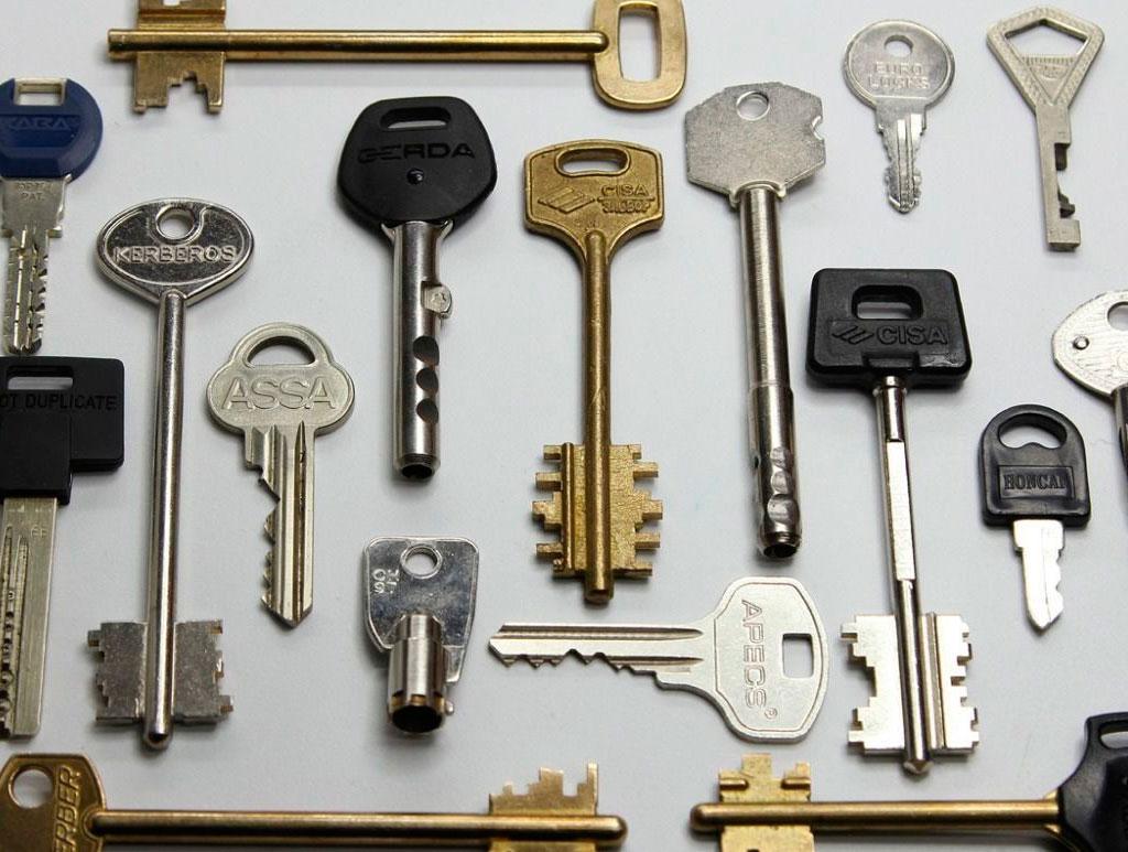 Дубликат ключей: дверных, автомобильных, сейфовых