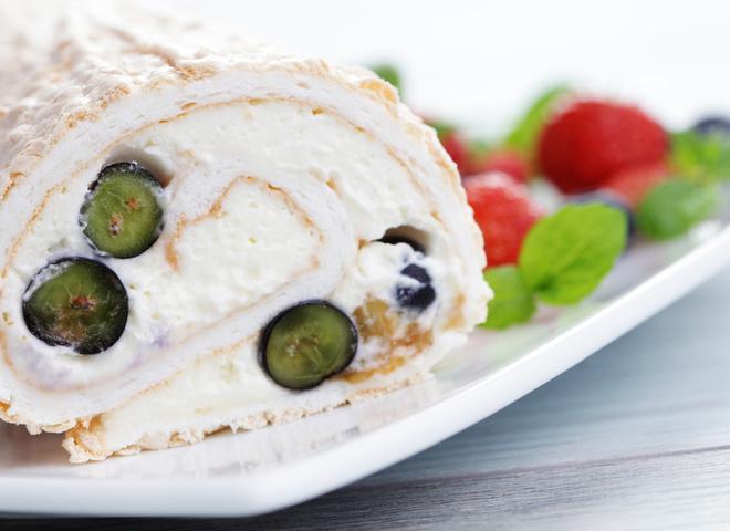 Меренговый рулет: рецепт сладкого лакомства