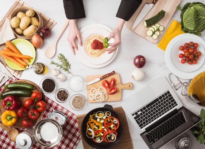 Чем отличаются тушенка, тушеное мясо и консервы мясосодержащие?
