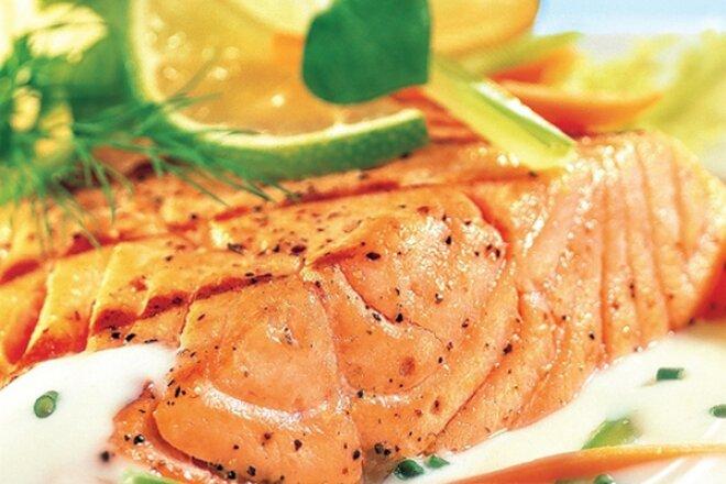 Филе лосося в сливочном соусе с тмином