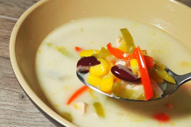 Кукурузно-фасолевый сливочный суп Суккоташ с курицей