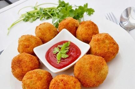 Крокеты из картофеля с сыром