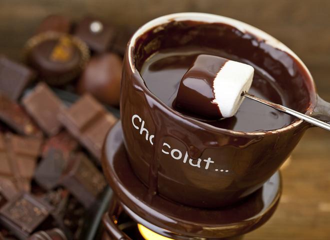 Шоколадное фондю в домашних условиях на День святого Валентина