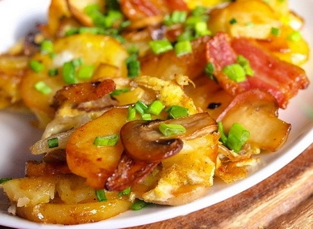 Как правильно жарить картошку с грибами?