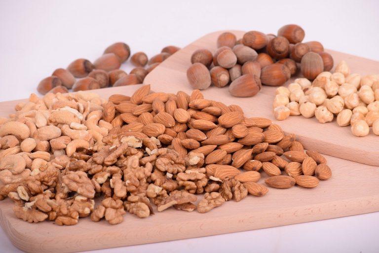Орехи: польза и вред для организма