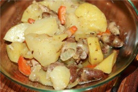 Рагу из куриных сердечек и картофеля