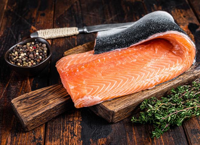 Как мариновать и солить красную рыбу