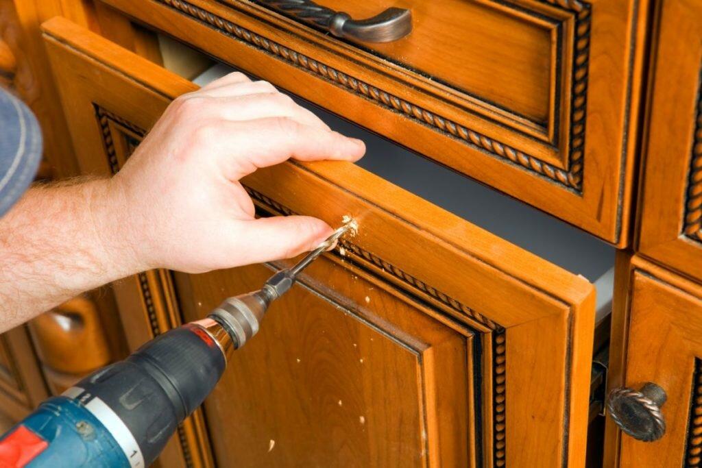 Как обновить кухонную мебель?